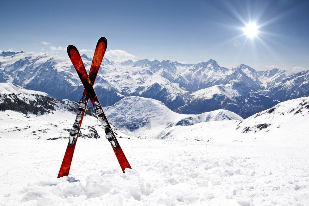 Ar pasibaigus žiemos sezonui galima rasti slidinėjimo įrangos su nuolaida