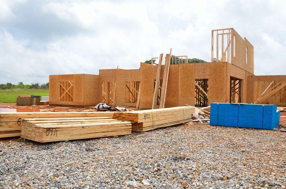 medinio-namo-statybos